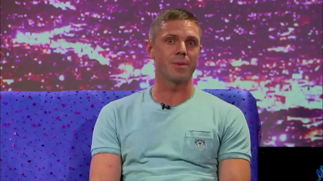 Hey Qween! BONUS: Jake Shears' Shadiest Internet Comment Ever
