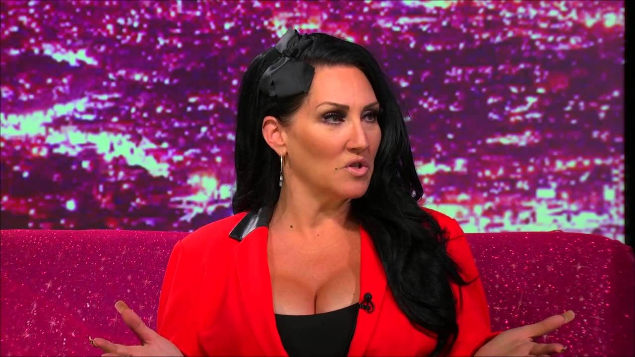 Hey Qween! BONUS: Michelle Visage On Reading Unprofessional Qweens