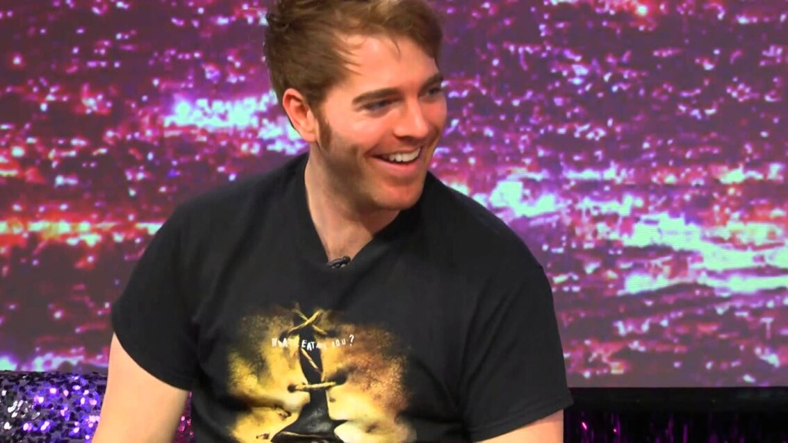 Hey Qween! BONUS: Shane Dawson Reads Bad You-tubers