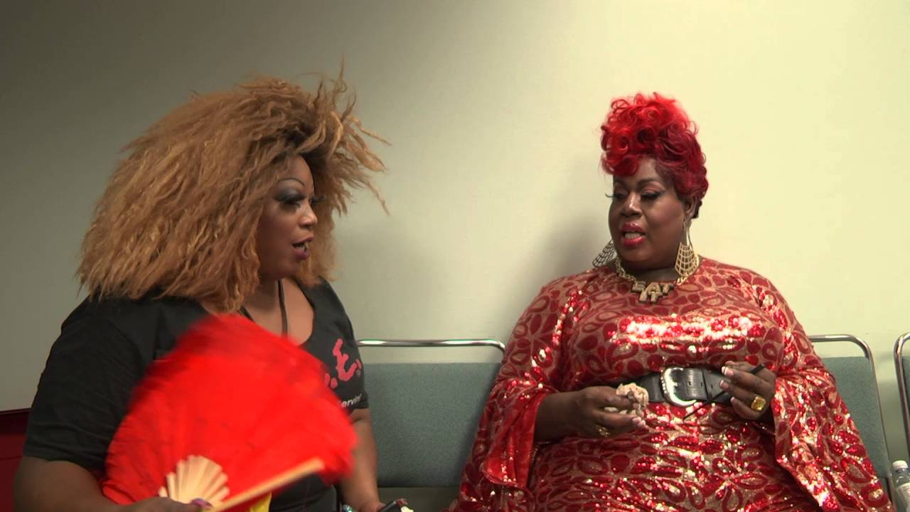 Latrice Royale & Lady Red Couture Green Room Kiki at Rupaul's DragCon 2016
