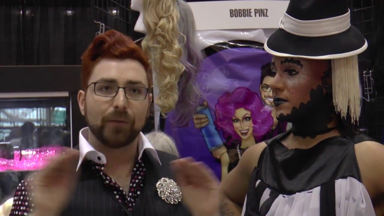 Bobbie Pinz Booth at DragCon with Roving Reporter Erickatoure Aviance
