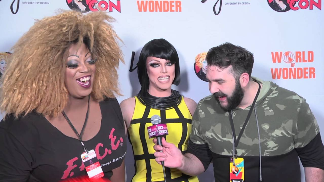 Morgan Mcmichaels at Rupaul's DragCon 2016 on Hey Qween Live