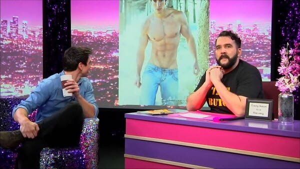 Hey Qween! BONUS: Steve Grand Strips At His 1st Gay Bar